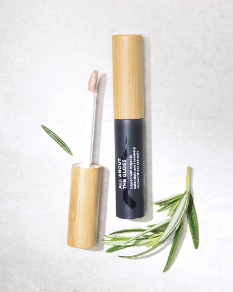 The Organic Skin Co. Review | My impression of their All About The Gloss lip gloss in the shade Star Burst. It is one of their organic natural beauty products that moisturizes and protects your lips.