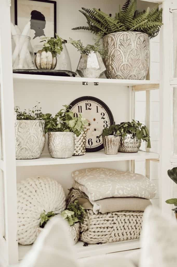 These simple home decorating tips are all you need to have you decorating like an interior designer. Add some indoor plants in different kinds of baskets or pottery to bring in some texture and life.